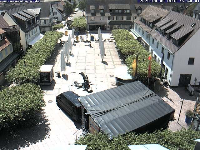 Blick auf den Neuenburger Rathausplatz